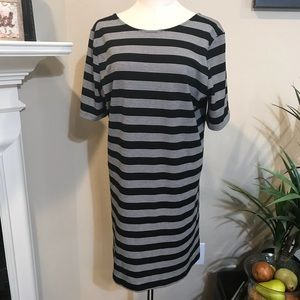 GAP XL Black and white striped dress